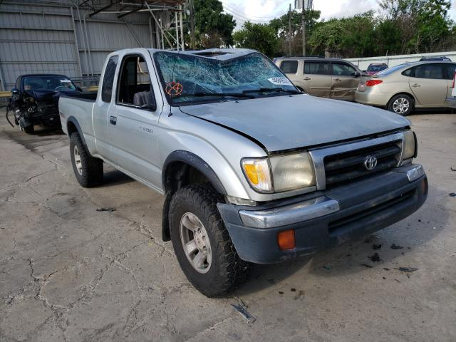 Salvage cars for sale from Copart Corpus Christi, TX: 2000 Toyota Tacoma XTR