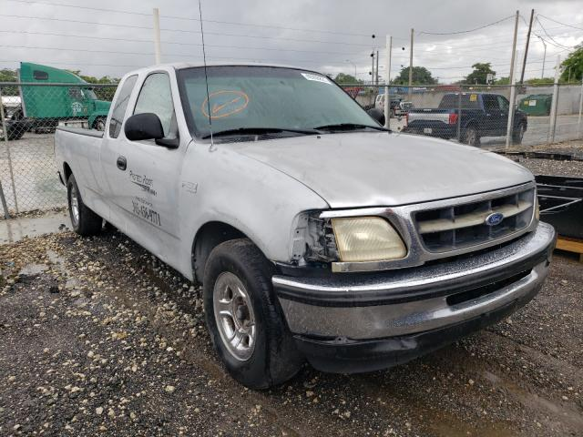 Salvage cars for sale from Copart Opa Locka, FL: 1998 Ford F150