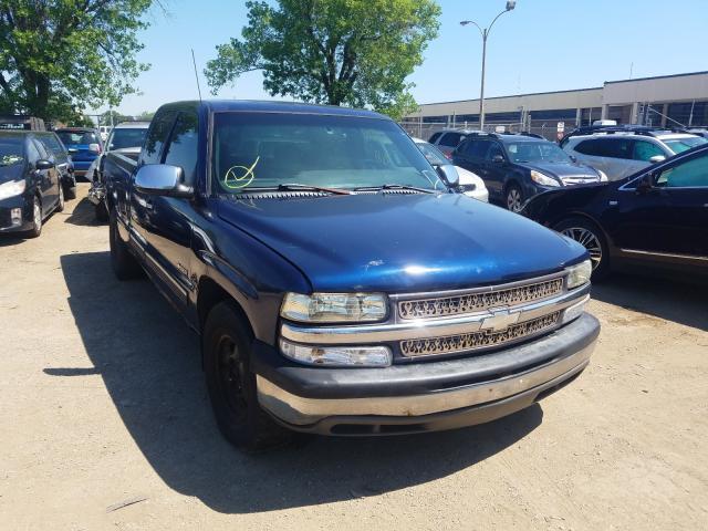 Salvage cars for sale from Copart Wheeling, IL: 2000 Chevrolet Silverado