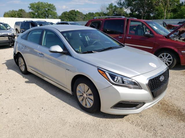 Salvage cars for sale from Copart Milwaukee, WI: 2017 Hyundai Sonata Hybrid