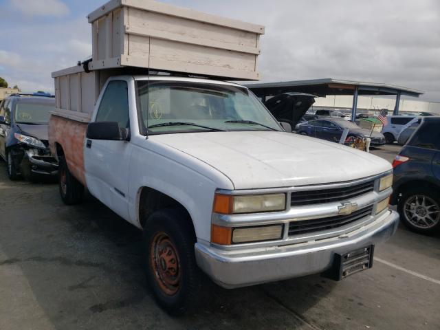 Salvage cars for sale from Copart Hayward, CA: 2000 Chevrolet GMT-400 C2