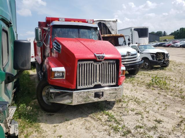 Salvage cars for sale from Copart Madison, WI: 2017 Western Star Convention