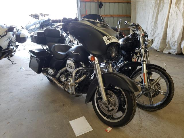 Upcoming salvage motorcycles for sale at auction: 2010 Harley-Davidson Flhx