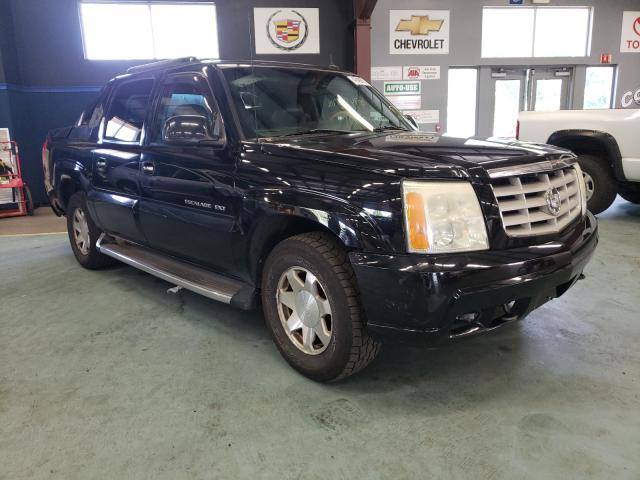 Salvage cars for sale from Copart East Granby, CT: 2002 Cadillac Escalade E