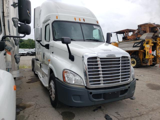 Salvage cars for sale from Copart Fort Wayne, IN: 2014 Freightliner Cascadia 1