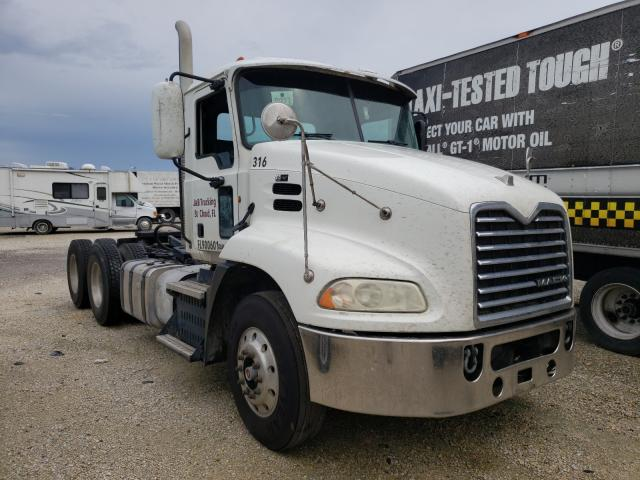 Salvage cars for sale from Copart Apopka, FL: 2011 Mack 600 CXU600
