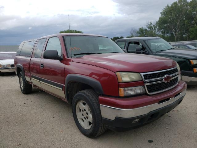 Salvage cars for sale from Copart Milwaukee, WI: 2006 Chevrolet Silverado