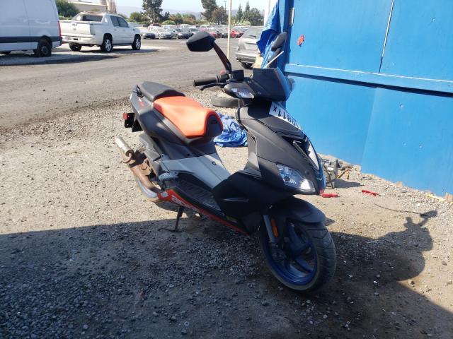 ZD4VFC0076S001136-2006-aprilia-scooter