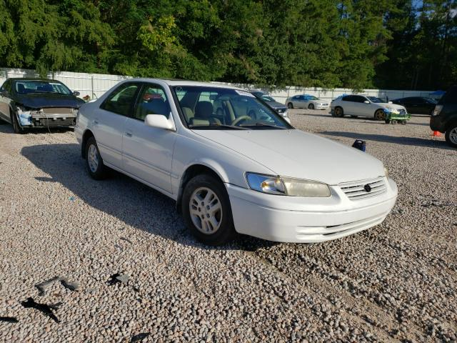 Salvage cars for sale from Copart Knightdale, NC: 1997 Toyota Camry CE