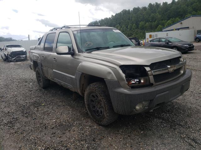 Salvage cars for sale from Copart Hurricane, WV: 2002 Chevrolet Avalanche