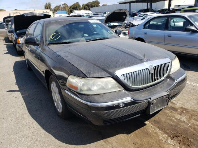 Clean Title Cars for sale at auction: 2003 Lincoln Town Car E