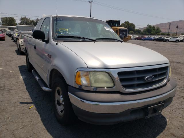 Salvage cars for sale from Copart Colton, CA: 2002 Ford F150