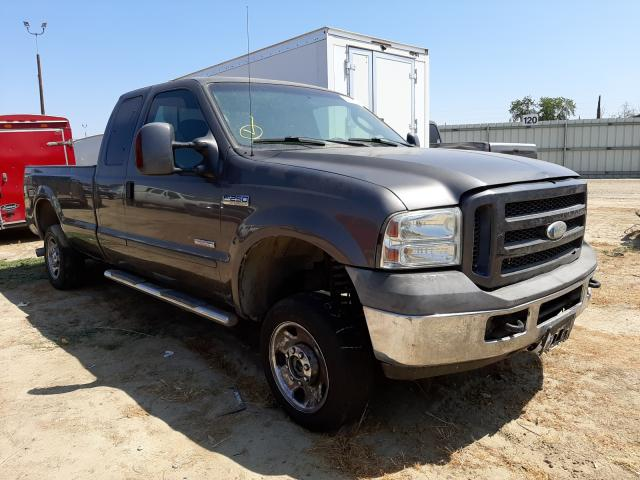 Salvage cars for sale from Copart Fresno, CA: 2006 Ford F250 Super