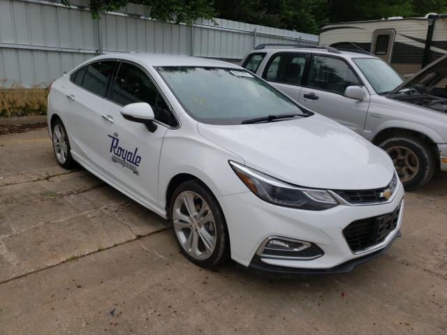 Salvage cars for sale from Copart Eldridge, IA: 2017 Chevrolet Cruze