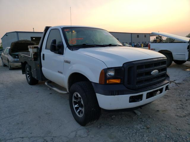 Salvage cars for sale from Copart Kansas City, KS: 2006 Ford F250 Super
