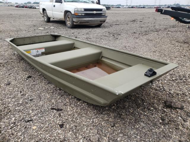 Salvage boats for sale at Elgin, IL auction: 2011 Tracker Trac 1032