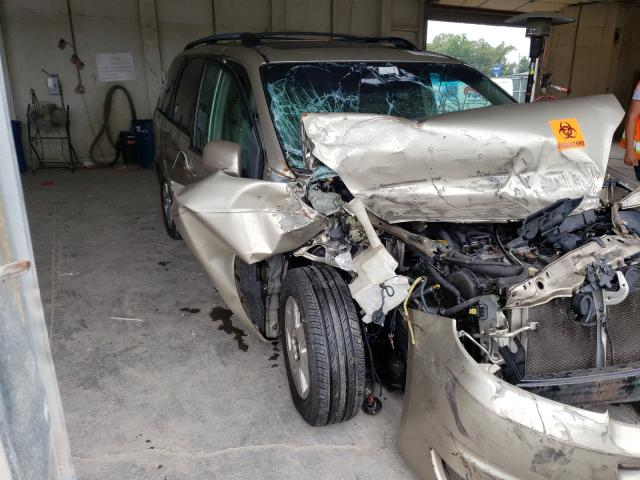 Salvage cars for sale from Copart Madisonville, TN: 2004 Toyota Sienna XLE