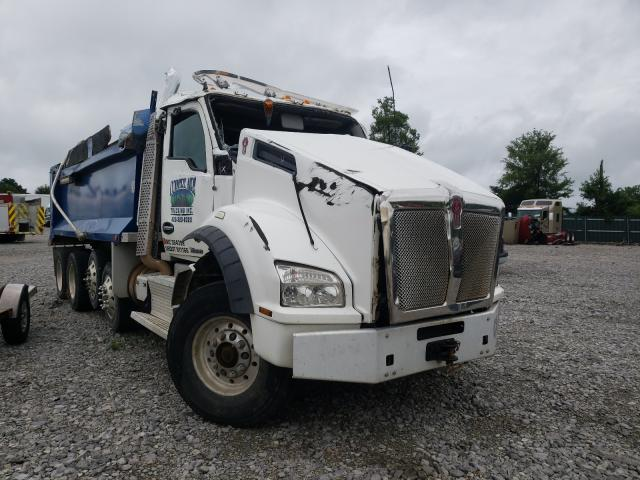 Salvage trucks for sale at Madisonville, TN auction: 2017 Kenworth Construction
