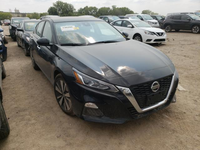 Salvage cars for sale from Copart Des Moines, IA: 2021 Nissan Altima SV