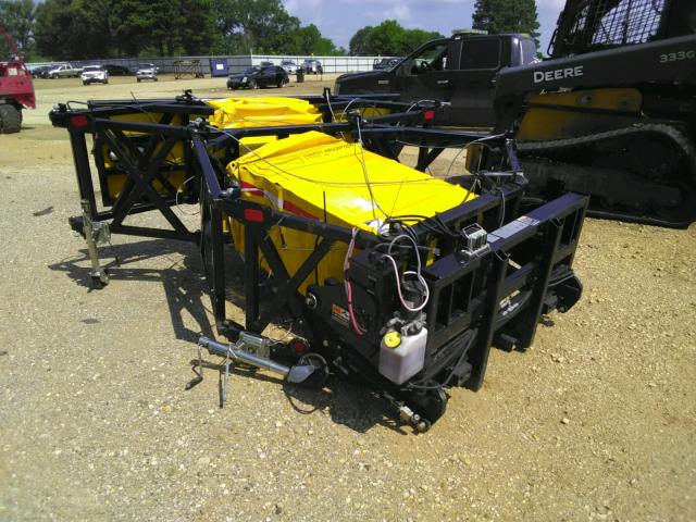Salvage trucks for sale at Longview, TX auction: 2009 Utility Utility
