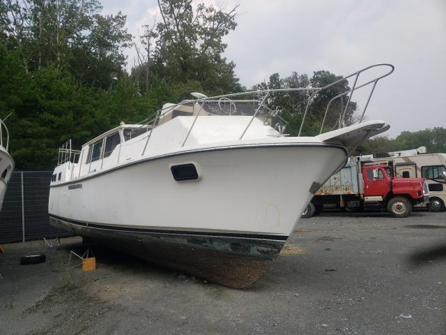 Salvage boats for sale at Waldorf, MD auction: 1982 Carver 3607