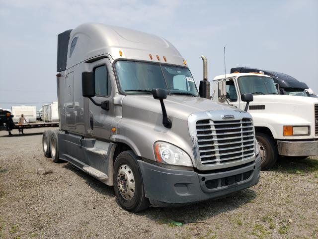 Salvage cars for sale from Copart Dyer, IN: 2015 Freightliner Cascadia 1