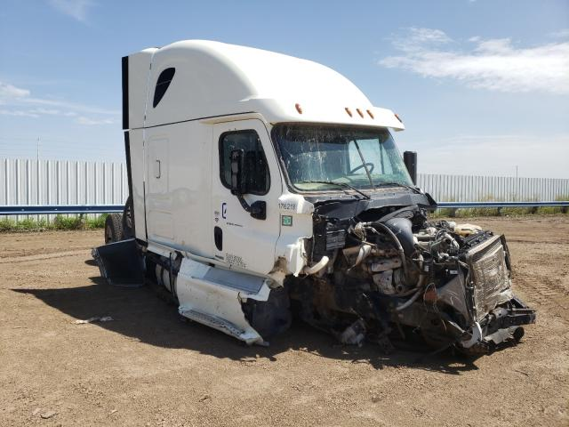 Salvage cars for sale from Copart Amarillo, TX: 2018 Freightliner Cascadia 1