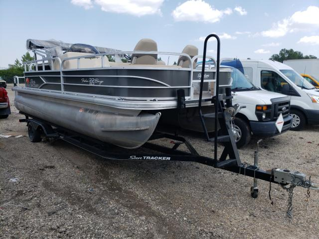 Salvage boats for sale at Columbus, OH auction: 2016 SUN FISHIN' BA