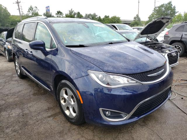 Salvage cars for sale from Copart Woodhaven, MI: 2017 Chrysler Pacifica T