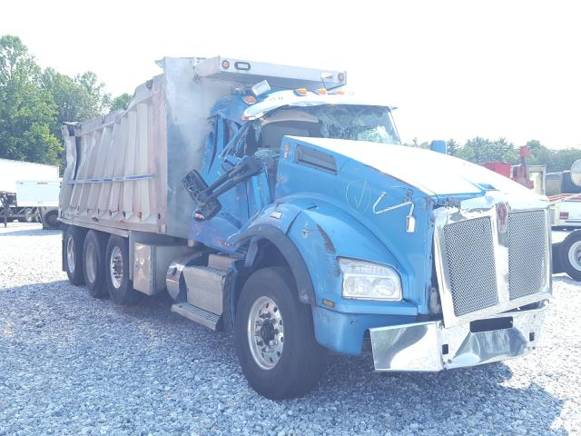 Salvage trucks for sale at York Haven, PA auction: 2017 Kenworth Construction