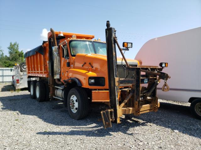 Salvage cars for sale from Copart Leroy, NY: 2003 International 5600 5600I