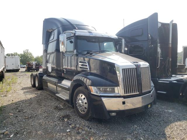 Salvage cars for sale from Copart Ellwood City, PA: 2016 Western Star 5700 XE