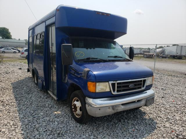 Salvage cars for sale from Copart Cicero, IN: 2004 Ford Bus