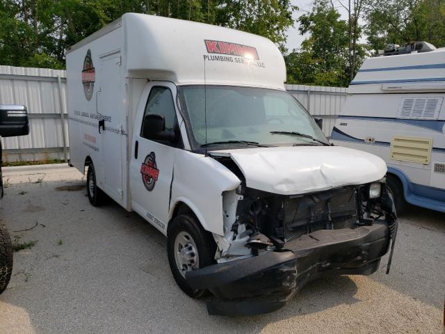 Salvage cars for sale from Copart Milwaukee, WI: 2017 Chevrolet Express G3