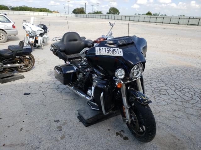 Salvage cars for sale from Copart San Antonio, TX: 2017 Harley-Davidson Flhtk Shri