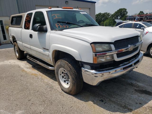 Salvage trucks for sale at Rogersville, MO auction: 2004 Chevrolet Silverado