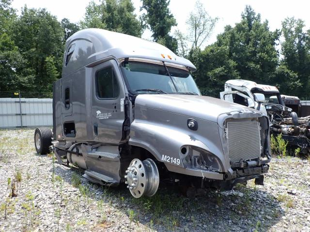 Salvage cars for sale from Copart Spartanburg, SC: 2015 Freightliner Cascadia 1