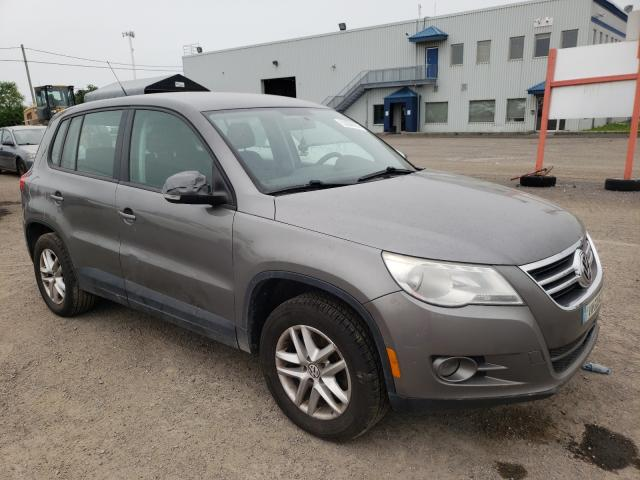 Salvage cars for sale from Copart Montreal Est, QC: 2009 Volkswagen Tiguan SE