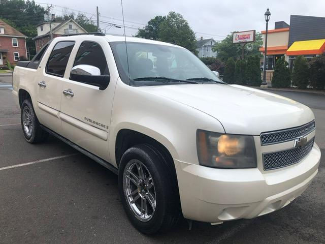 Salvage cars for sale from Copart New Britain, CT: 2008 Chevrolet Avalanche