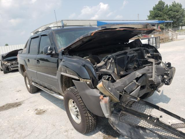 Salvage trucks for sale at Prairie Grove, AR auction: 2005 Chevrolet Avalanche
