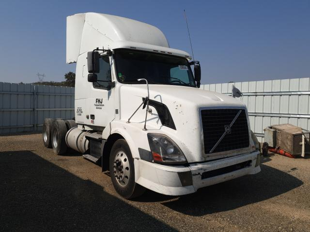 Salvage cars for sale from Copart Anderson, CA: 2008 Volvo VN VNL