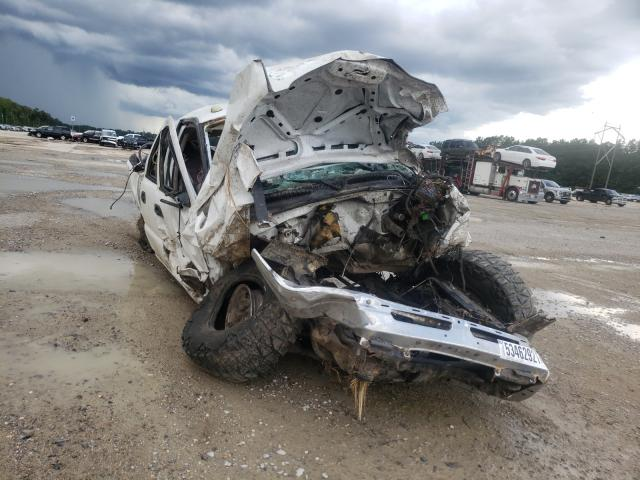 Salvage trucks for sale at Greenwell Springs, LA auction: 2003 Chevrolet Silverado
