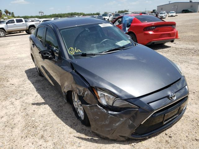 Salvage cars for sale from Copart Mercedes, TX: 2017 Toyota Yaris IA