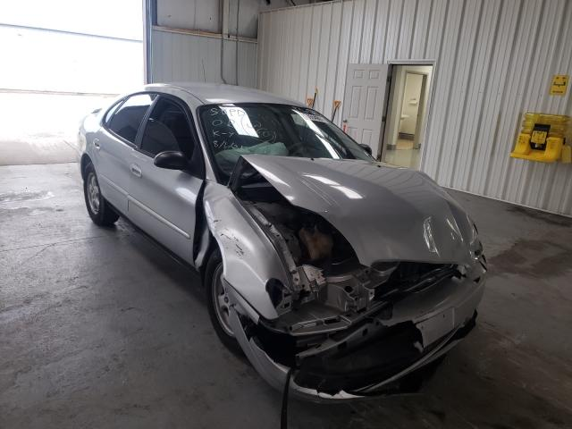 Salvage cars for sale from Copart Dyer, IN: 2005 Ford Taurus SE