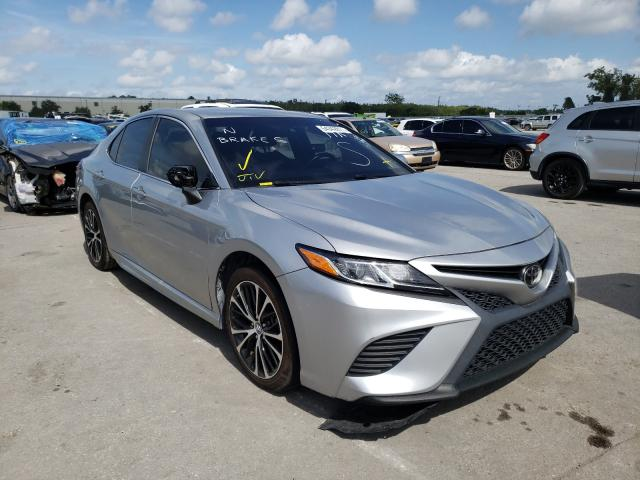 Salvage 2018 TOYOTA CAMRY - Small image. Lot 54342811