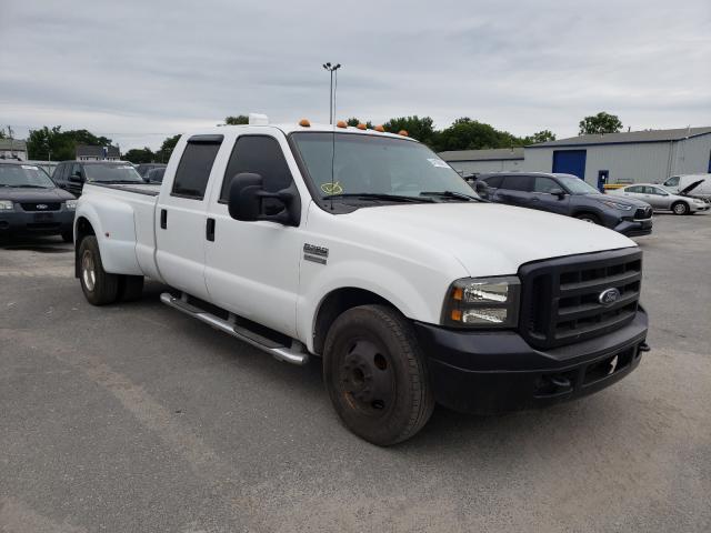 Salvage trucks for sale at Glassboro, NJ auction: 2005 Ford F350 Super
