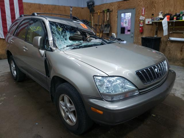 Salvage cars for sale from Copart Kincheloe, MI: 2001 Lexus RX 300