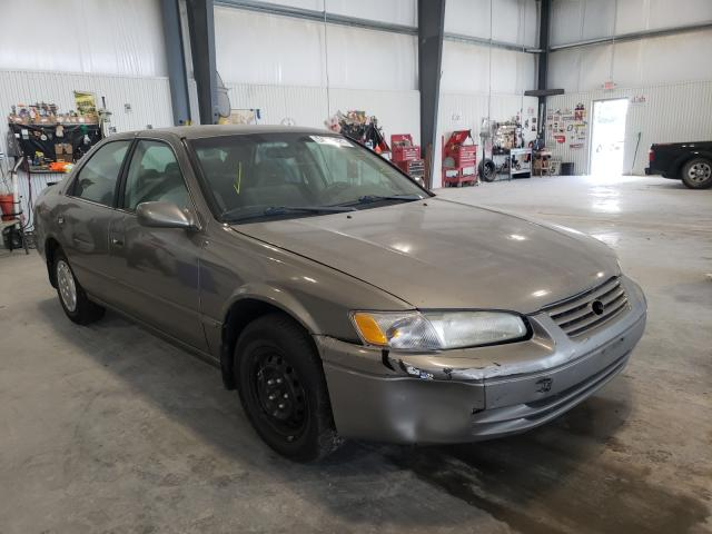 Salvage cars for sale from Copart Greenwood, NE: 1998 Toyota Camry CE