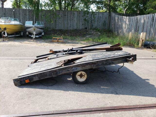 Salvage trucks for sale at Ham Lake, MN auction: 2000 Utility Trailer