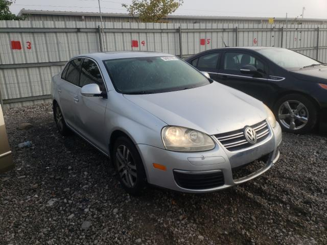 Salvage cars for sale from Copart Walton, KY: 2005 Volkswagen New Jetta